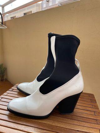 Botas calcetín blancas y negras