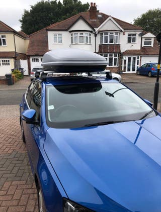Large roof box