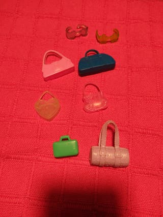 lote de bolsos y gafas para muleca barbie / bratz