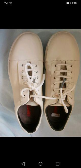 Camper zapatos blancos