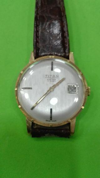 Reloj Titan