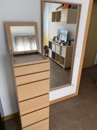 Cómoda y espejo IKEA