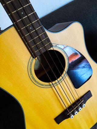 Bajo Electro-Acústico Fender + Funda Fender