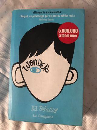 """Llibre """"Wonder"""" en Catalá"""