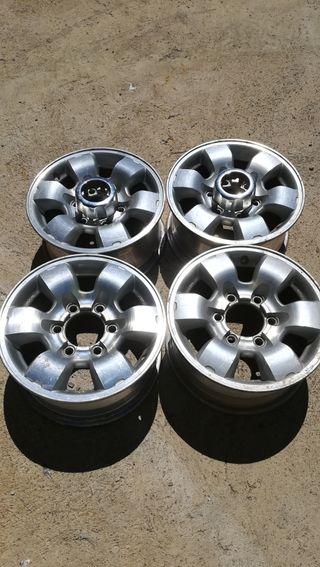 Llantas aluminio Nissan Pick up Navara