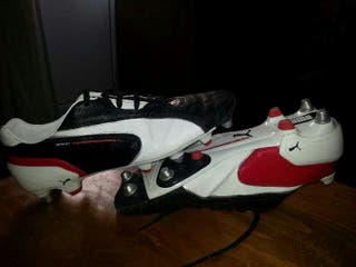 Puma spirit football trainers. Size 9