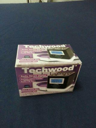 Radio despertador Techwood