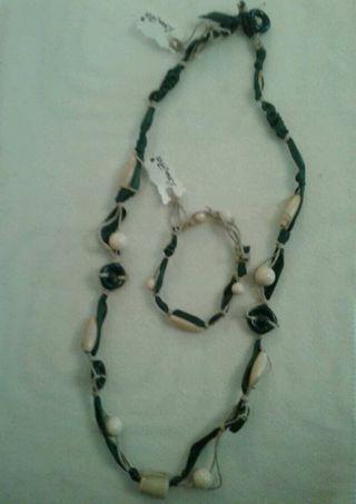 Conjunto de collar y pulsera hecho a mano
