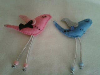 Broches de pájaros hechos a mano